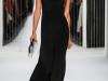 Черное вечернее платье с белой отделкой от Jenny Packham