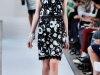 Кружевное черно белое платье Oscar de la Renta