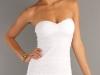 Кружевное белое платье без бретелек