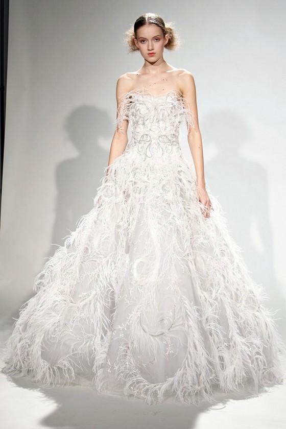 eb81a9ca2cd Вечерние платья осень-зима 2011-2012 · Вечернее платье-принцесса от Маркиза  2011