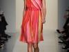 Платье с квадратным вырезом весна-лето 2012