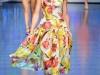 Модные платья с квадратным вырезом фото