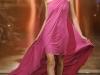Розовое платье Эшли Ишам