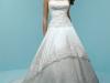 Свадебные платья 2012 с корсетом фото