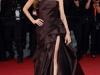 Длинное платье со шлейфом Анджелина Джоли