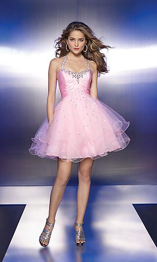 Короткие пышные платья на выпускной 2011