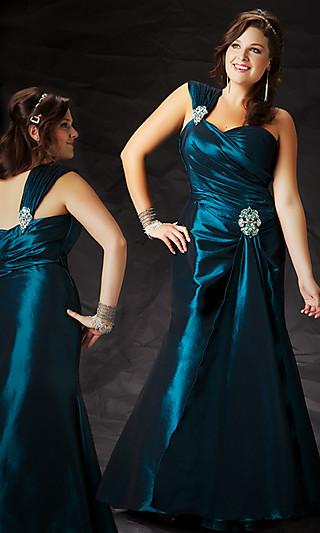 Платье на полную фигуру