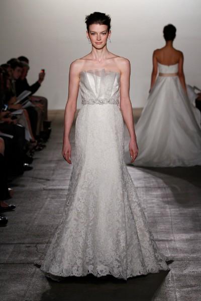 Кружевные свадебные платья 2011 от Rivini