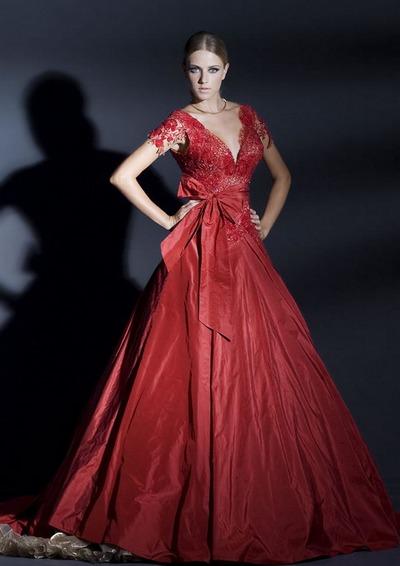 Красное свадебное платье с кружевным лифом