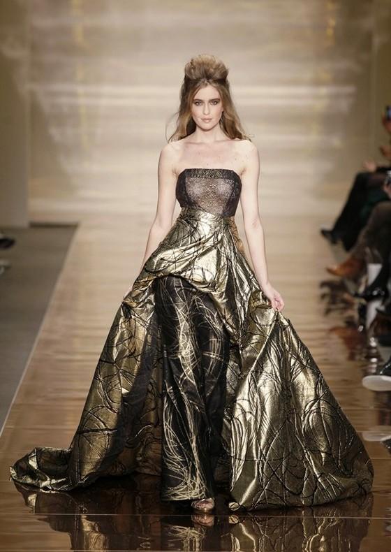 Вечернее платье под брюки от Addy van den Krommenacker