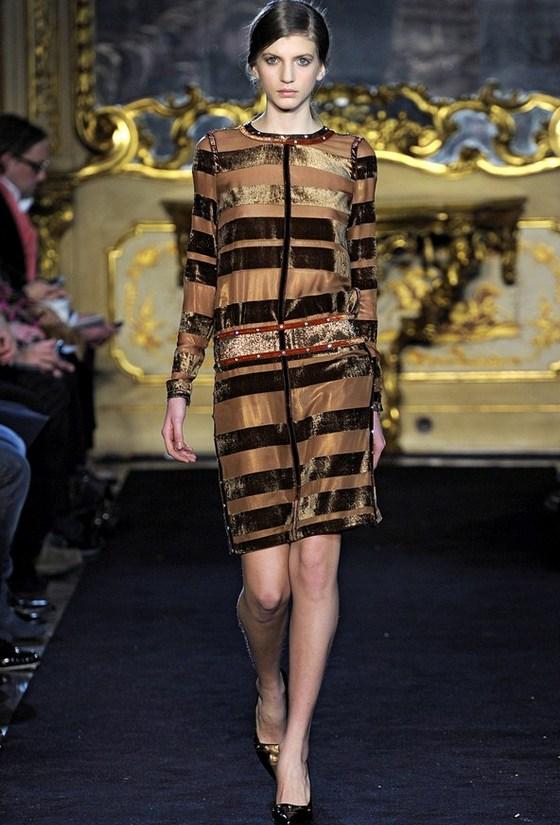 Платья из бархата Aquilano Rimondi