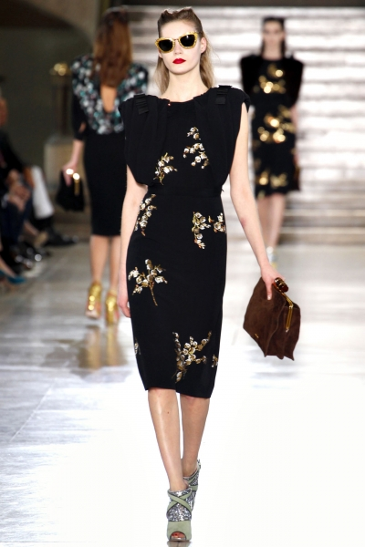 Черное вечернее платье - модные аксессуары