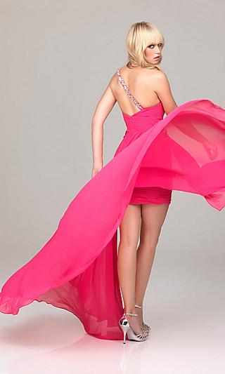 Короткое выпускное платье 2012 со шлейфом