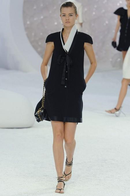 Летнее черное платье Chanel