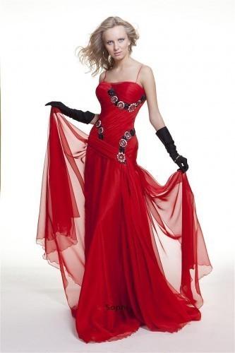 Красное вечернее платье от Оксаны Мухи