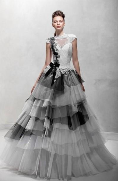 Черно-белое свадебное платье Papilio 2012
