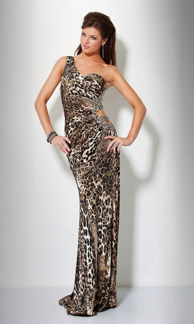 Длинное платье на 8 марта