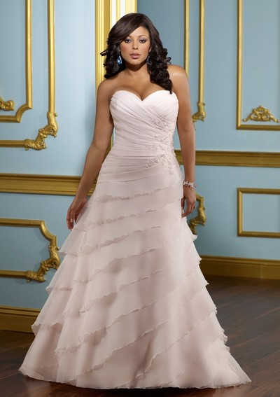 Розовое свадебное платье 2012 для полных