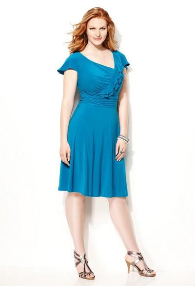 Синее трикотажное платье для полных фото