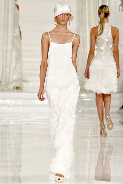 Вечернее белое платье в бельевом стиле от Ralph Lauren