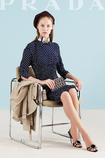 Модное платье в горошек от Prada, сезон Весна-Лето 2012