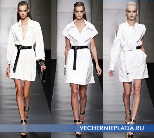 Белые короткие летние платья сафари от Gianfranco Ferre