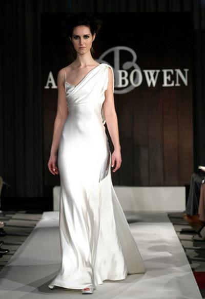 Необычные свадебные платья на бретелях от Anne Bowen