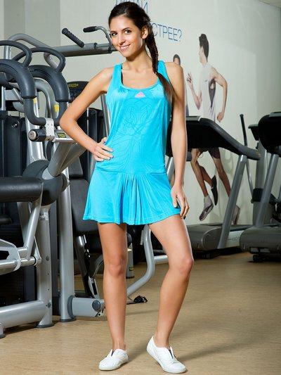 Спортивные платья Адидас