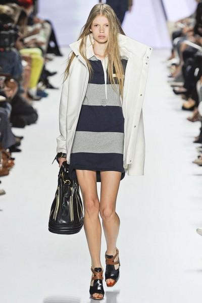 Короткое спортивное платье 2012 от Lacoste