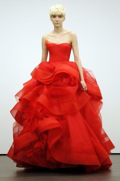 Свадебное платье пышное, Вера Вонг 2013