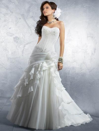 Свадебные платья с заниженным корсетом фасона годе