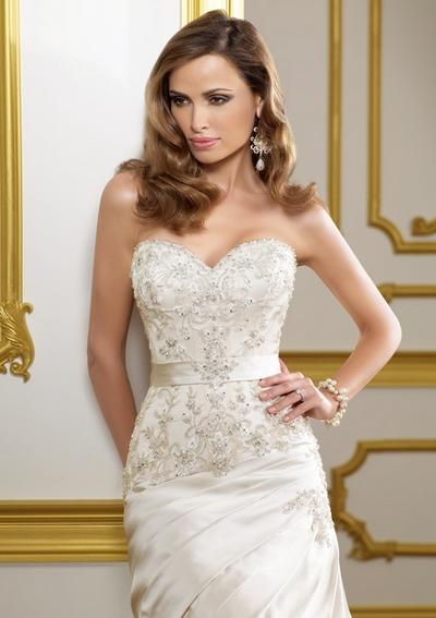 свадебные платья с расшитым корсетом