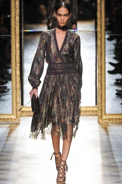 Вечернее платье-миди на Новый год от Salvatore Ferragamo, коллекция Осень-Зима 2012-2013