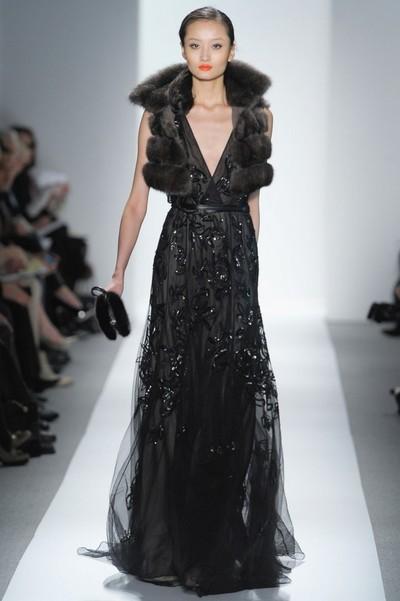 Черное вечернее платье на Новый год 2013 от Denis Basso