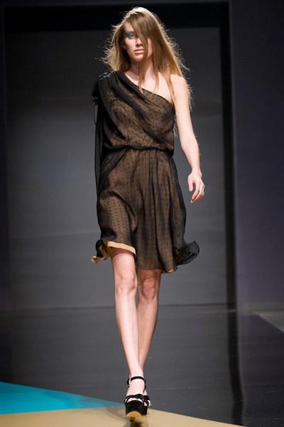 Платья на одно плечо из коллекции LUBLU Kira Plastinina Осень-Зима 2012-2013