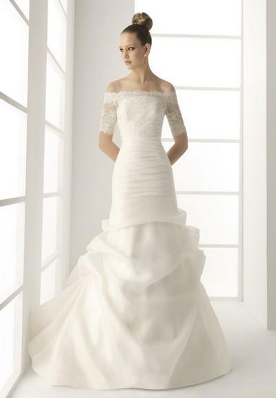 Свадебное платье с кружевными рукавами – фасон годе