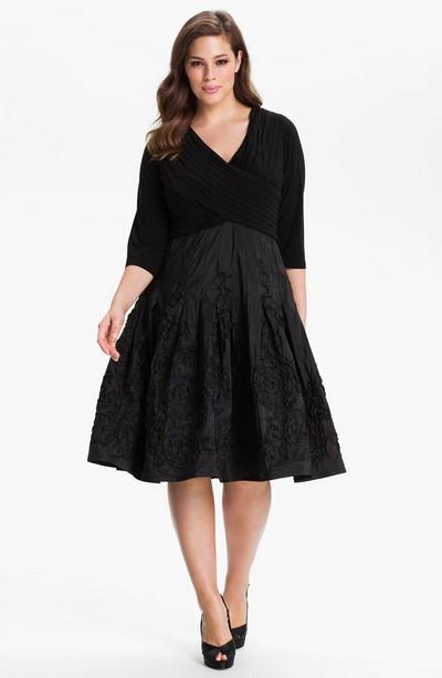 Маленькое платье А-типа для полных от Adrianna Papell