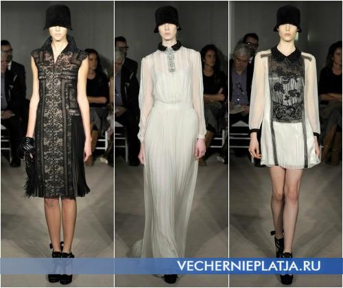 Кружевные платья с воротничками от Alberta Ferretti