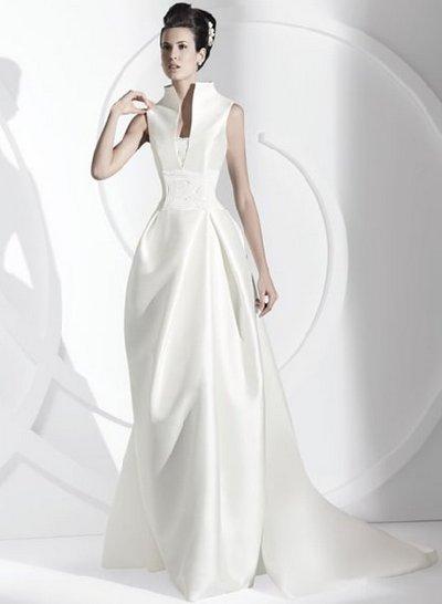 Свадебное платье с воротником-стоечкой