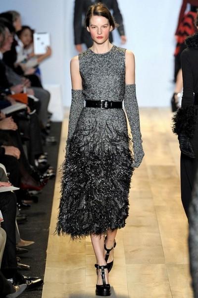 Вечерние вязаные платья на примере модели от Michael Kors
