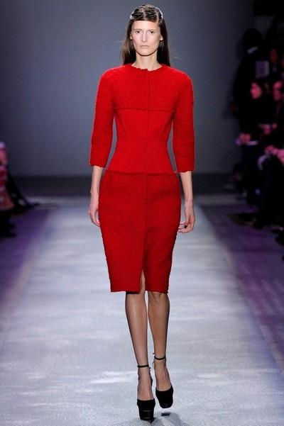 Красное вязаное платье Giambattista Valli Осень-Зима 2012-2013