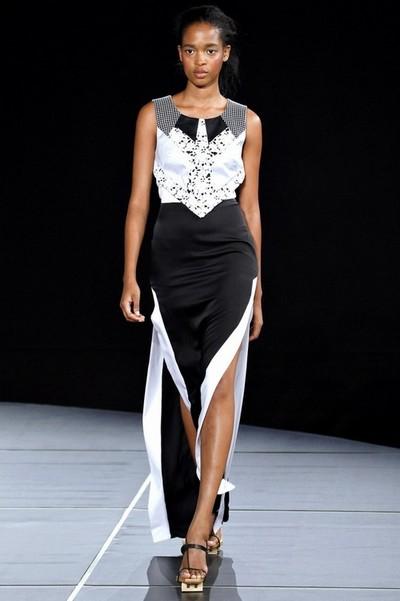 Длинное вечернее платье черное с белым от Jen Kao
