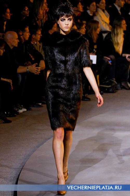 Меховое черное платье от Marc Jacobs