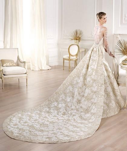 Свадебное роскошное платье Pronovias 2014 с длинным шлейфом