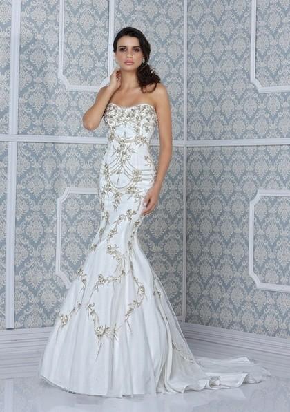 Серебристый декор свадебного платья 2014 фото
