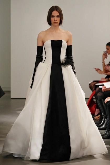 Черно-белое платье свадебное от Vera Wang