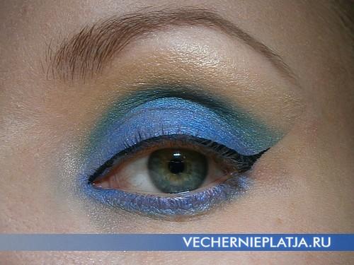 Макияж глаз в сине-зеленой гамме на год Лошади