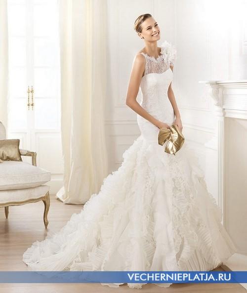 Платье-русалка с ажурным верхом и цветком