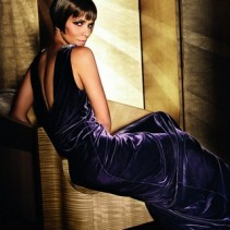 Бархатные платья – королевский выбор