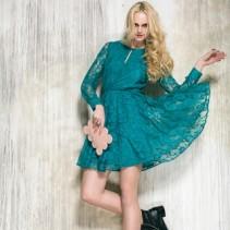 Магическая притягательность бирюзового платья: кому и как носить этот цвет